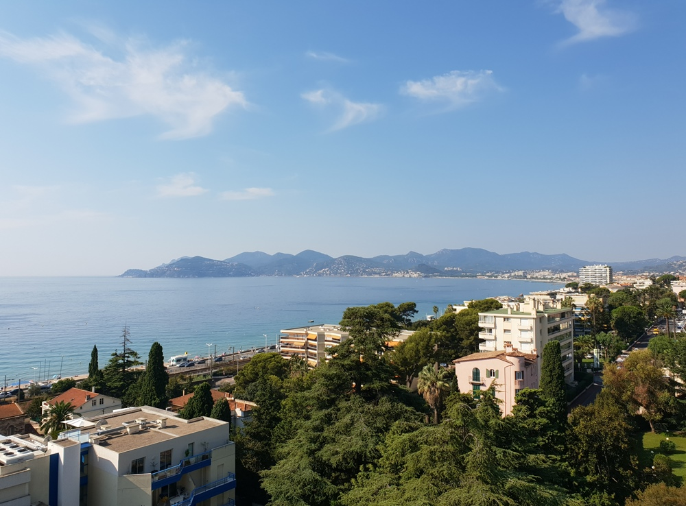 CANNES (F) - Appartement cave garage 695.000 €